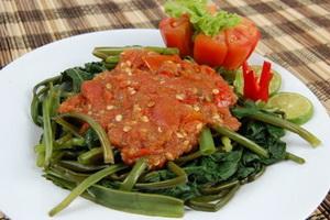 resep-sambal-pelecing-kangkung-lombok