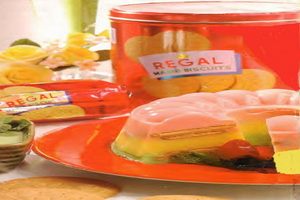 resep-triple-decker-marie-regal